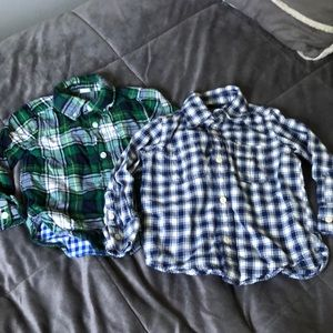 Set: 2 BabyGap Buttondown flannel shirts (2T-3T)